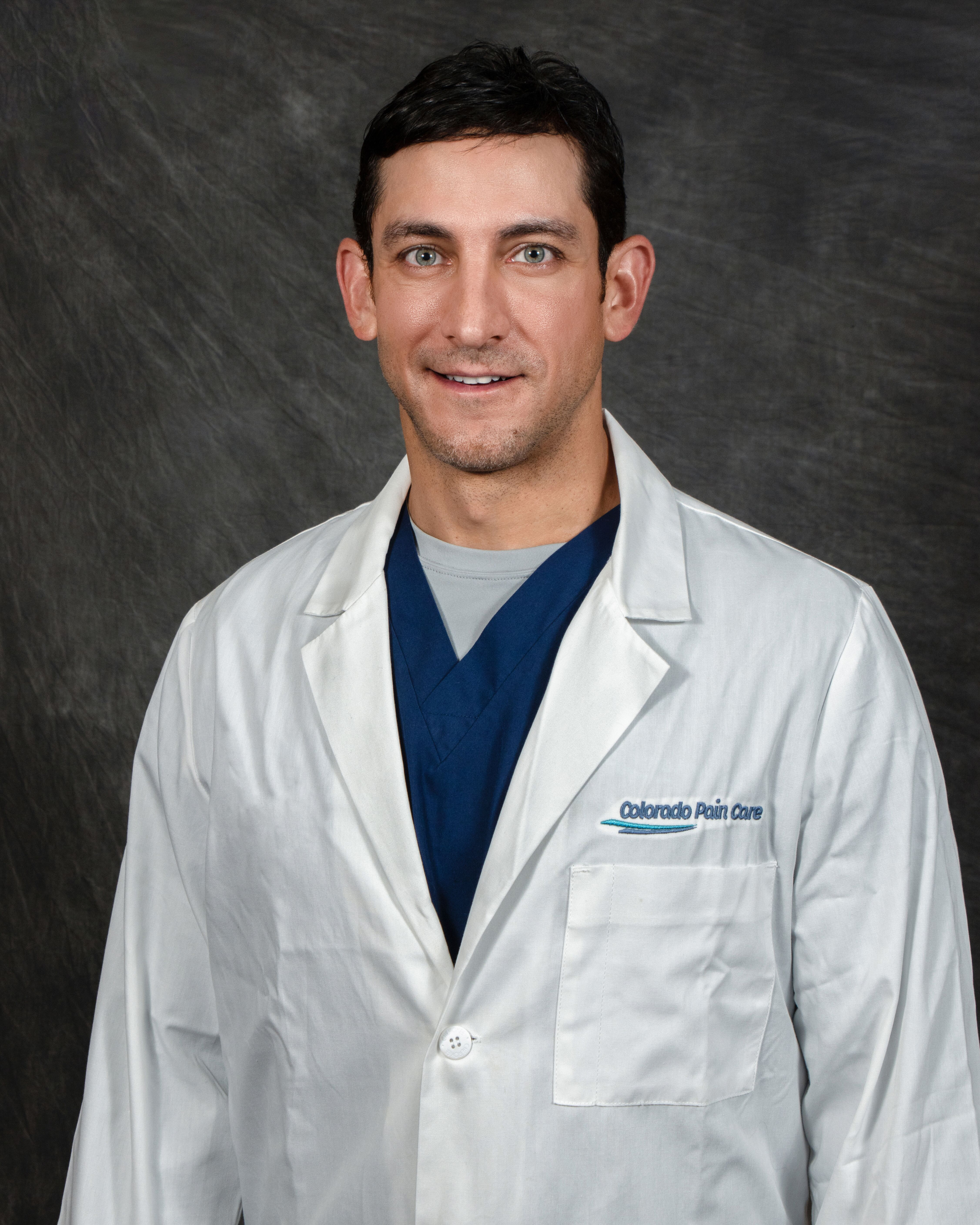 Dr. Moghim Participates in Clinical Trial for Knee Pain